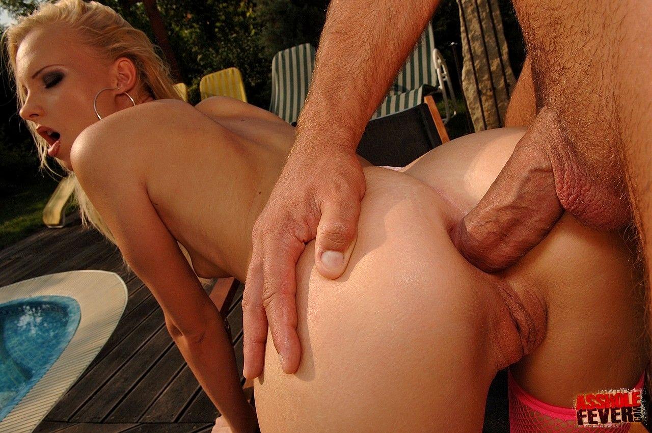 Blonde milf mom wife nude