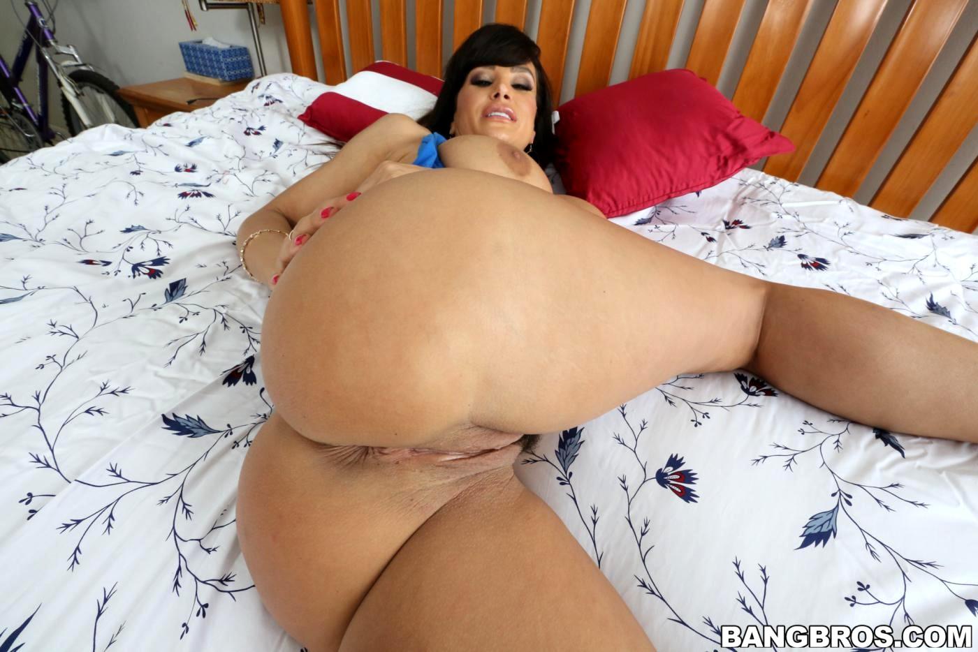 Tara Moon Porn Star