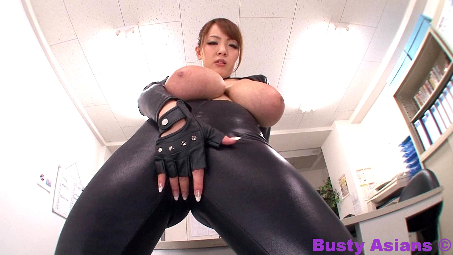 hitomi tanaka in black leather