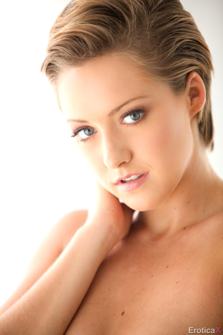 x erotica Bailey bae