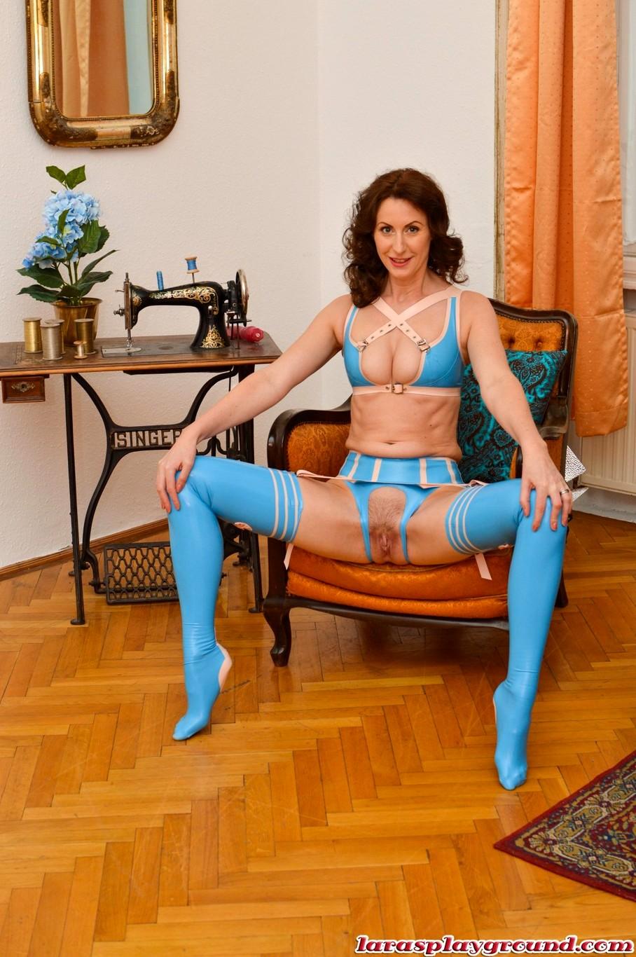 lara splayground lara latex rounbrown real tits gallery hottest free