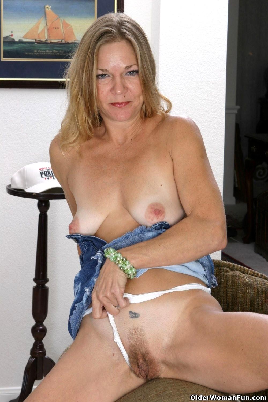 Olderwomanfun Olderwomanfun Model Stepmom Real Tits Xxx -1224